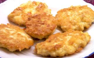 Котлеты из куриной грудки с сыром за 30 минут.