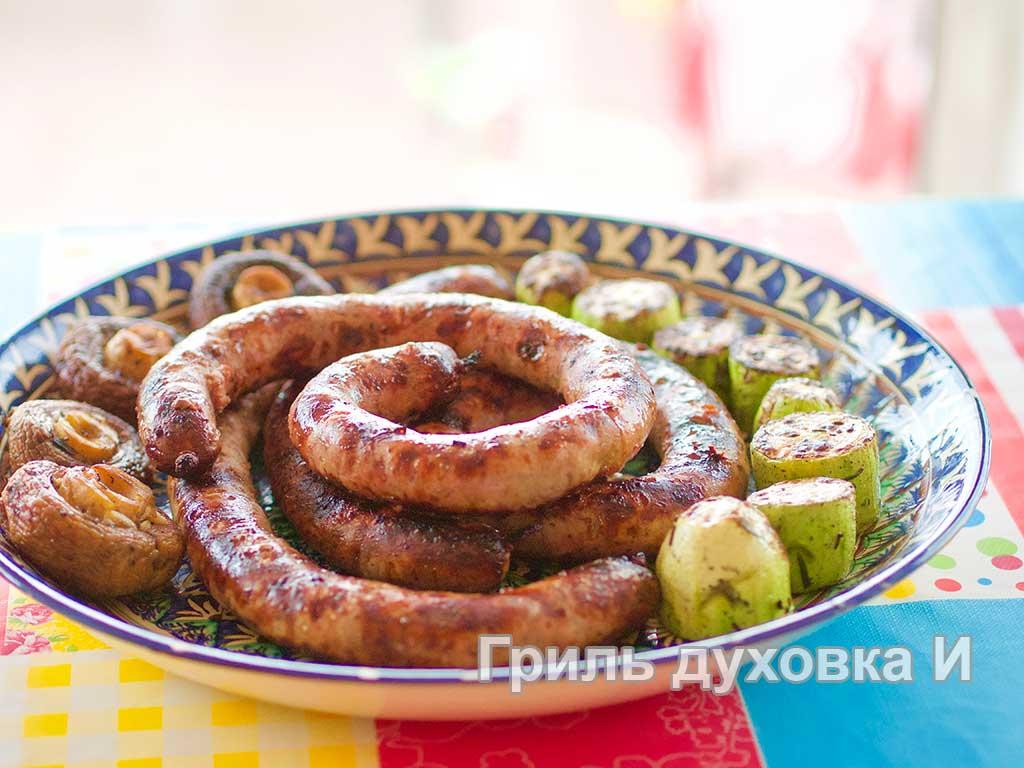 Домашние колбаски в духовке или на гриле.