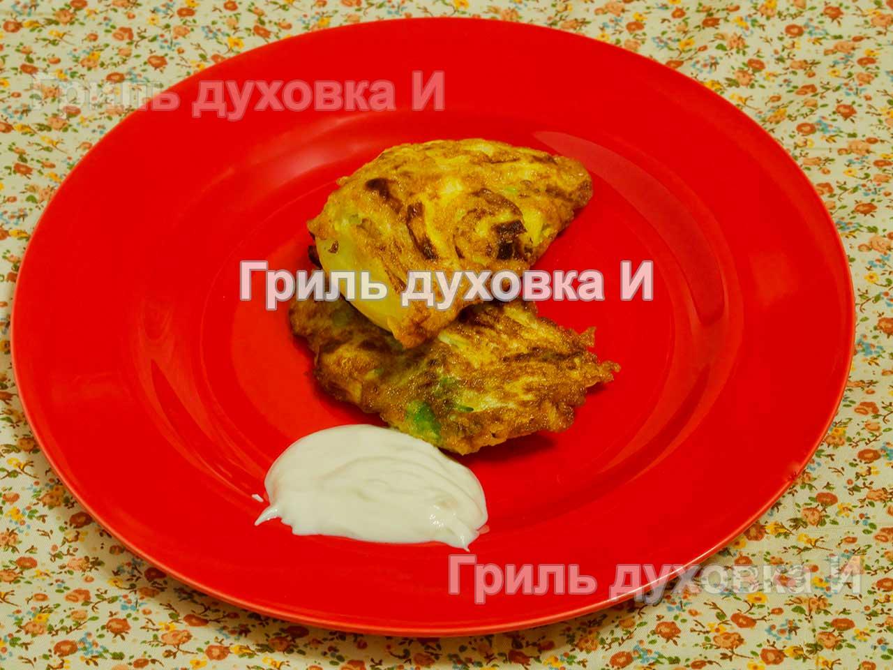Капуста жареная с яйцом. Молодая и очень вкусная.