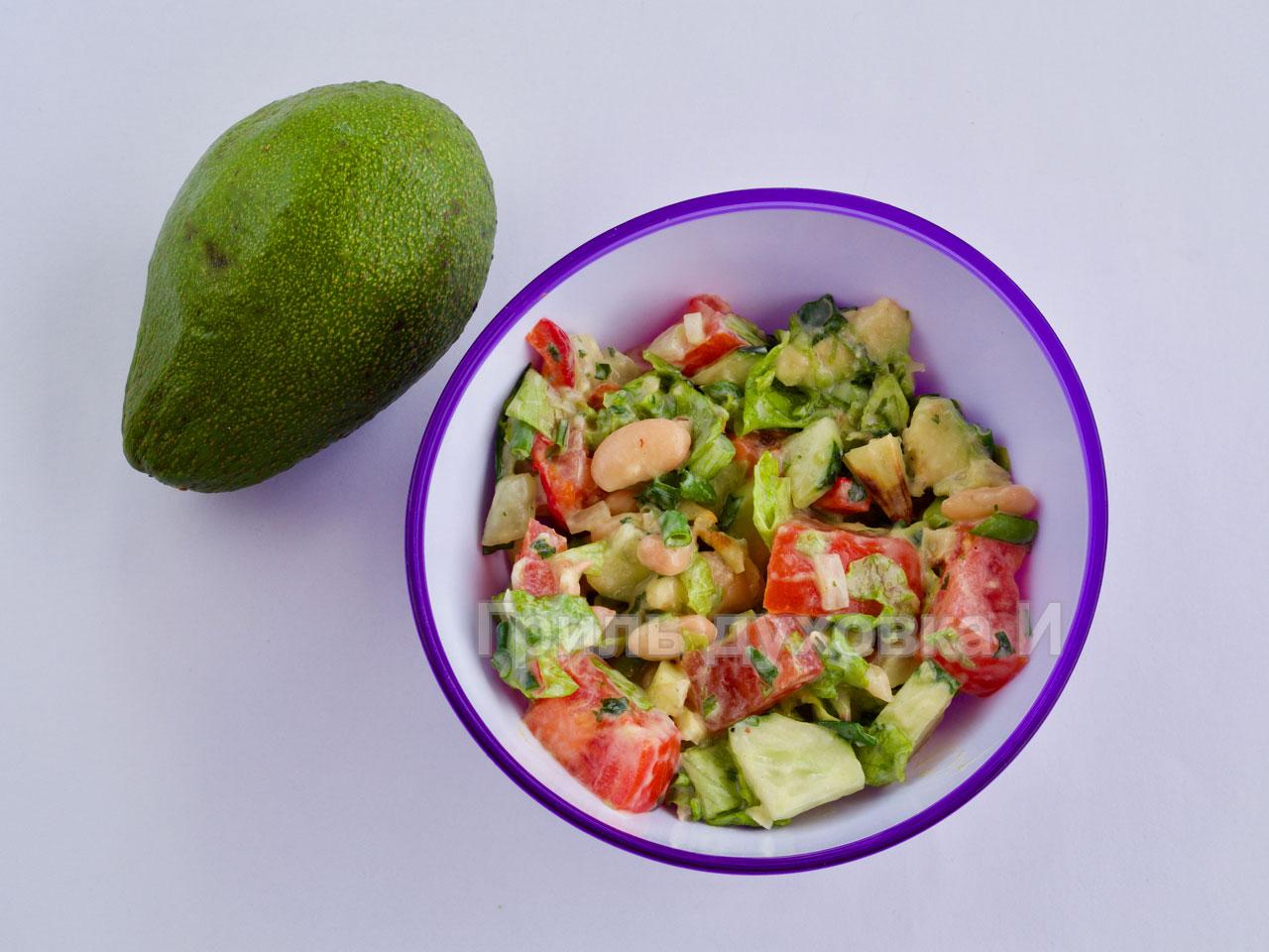 Какой вкусный салат с фасолью консервированной.