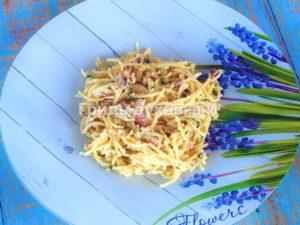 паста карбонара с беконом и сливками