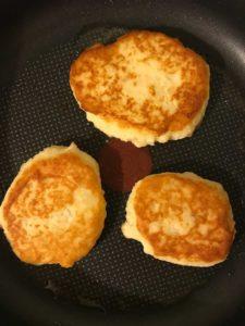 картофельные котлеты на сковороде
